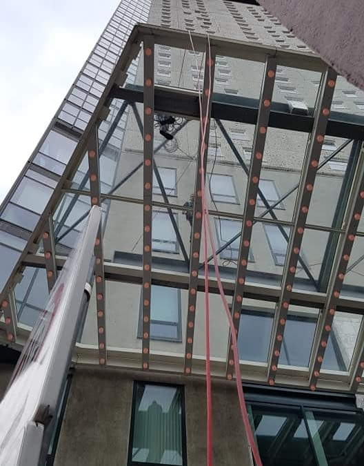 Best Window Cleaning Services and Window Cleaners Commerce City, CO – Call us Today! (720) 255-0229
