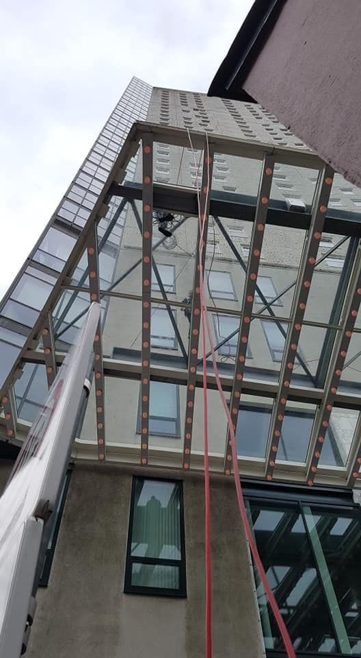 Professional window cleaners in Commerce City, CO
