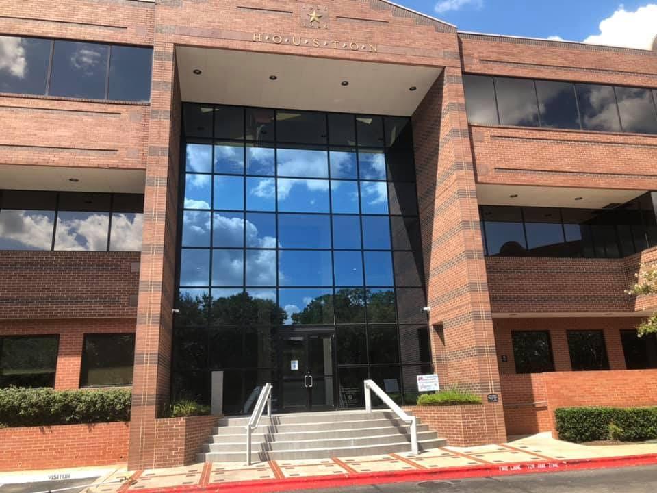Window Washing Company for high windows in Denver Colorado
